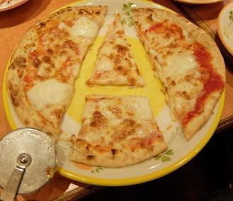 ピザのA字切り
