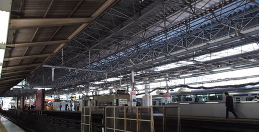 新橋駅の鉄骨