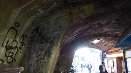 新橋おばけトンネル?