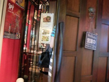 新橋タイ料理屋さん いっぱいでした。