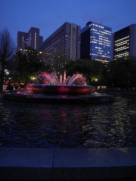 夜の日比谷公園